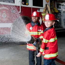 déguisement de pompier avec casque (4-6a)
